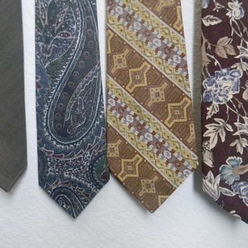 FREE usa SHIPPING Instant collection of vintage men preloved ties hipster retro