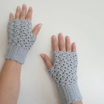 Fingerless gloves, Grey crochet gloves, lace fingerless gloves, Fall color gray, Teen,  gloves for woman, winter outfit, wrist warmer