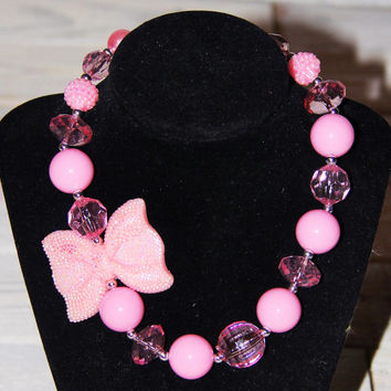 Sparkly Pink Bow Chunky Necklace