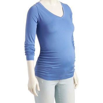 Old Navy Maternity Relaxed Fit V Neck Tee