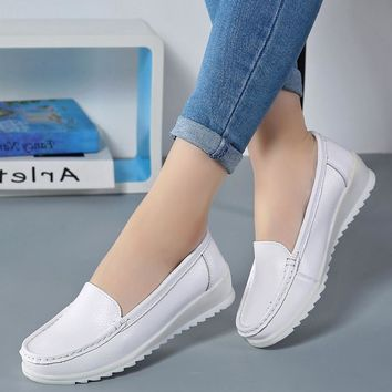 Summer 2018 Women Cow Leather Shoes Breathable Female Sewing Sport Walking Shoes Outdoor Wedge Bottom White Nurse Shoes Big Size