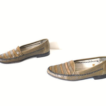 size 8.5 moccasin LOAFERS vintage 80s slip on OLIVE green leather + SUEDE striped almond toe slip on flat shoes