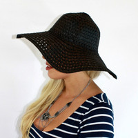 Woven Stream Hat in Black