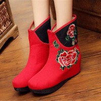 Chinese Embroidered Shoes women's singles boots national wind Elevator shoes