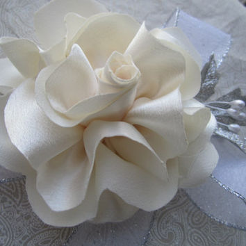 Corsage prom wedding corsage fabric flower altelnative flower with pearl ans silver sparkly bridesmaids mothers corsage