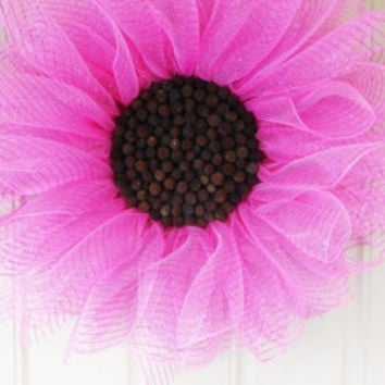 Pink Daisy Wreath, Deco Mesh Sunflower Wreath. Summer Wreath. Door Wreath. Home Decor. Flower Wreath.