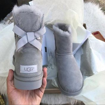 DCCK1IN UGG Authentic Bailey bow boots
