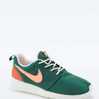 Nike Roshe Run Retro Green Trainers - Urban Outfitters