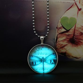 New Dragonfly Music Symbol Glowing Necklace Vintage Steampunk Glow In The Dark Pendant Necklace Valentine Day Girls Women Gift