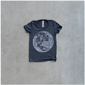 Tshirt for women - S/M/L/XL - full moon screenprint on American Apparel heather black - gift for her, moon shirt - spring fashion