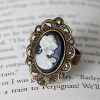 Black Cameo Ring by brontesattic on Etsy