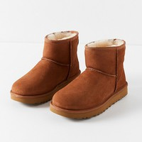 UGG Classic II Mini Ankle Boot | Urban Outfitters