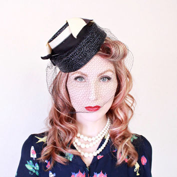1940s Hat / VINTAGE / 40s Hat / Tilt / Navy Blue / Birdcage Veil / Bow / Nautical