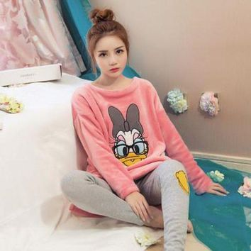 DCCKU62 2017 Pyjamas Winter Women Pijamas Mujer  Women Costume Pajamas Coral Fleece Pajamas Set Keep Warm Sleepwear Set