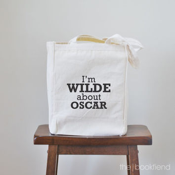 I'm wilde about oscar canvas book tote bag