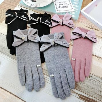 2017 Autumn And Winter Gloves Fragrant Cute Bowknot  High-end Wool Rabbit Hair Blended Lady Mitten  touch screen AGL400