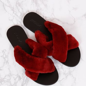 Criss Cross Furry Slides - Wine