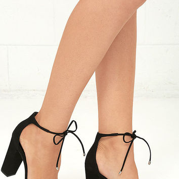 Steve Madden Pamperd Black Nubuck Leather Block Heel Pumps