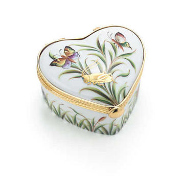 Tiffany & Co. - Jardin heart box in hand-painted Limoges porcelain.