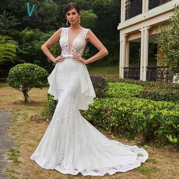 Dressv ivory v neck mermaid wedding dress sexy backless appliques court train sleeveless trumpet wedding dress lace bridal dress