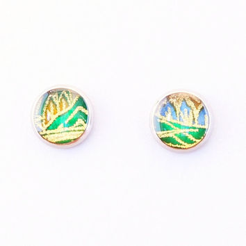 Green mountain earrings, Japanese washi ear stud, resin jewelry, washi Chiyogami, trees, nature, spring, hypoallergenic surgical steel