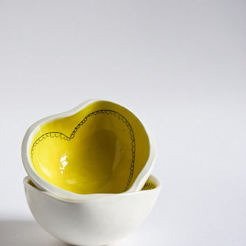 heart shaped pottery bowl, modern ceramic dish, yellow and white, spring home and kitchen decor handmade by karoArt