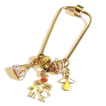 THE MOMMIE CHARM 18KTS OF GOLD PLATED BRACELET