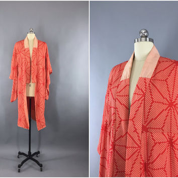 Vintage 1920s Silk Kimono Robe / 20s Dressing Gown / Downton Abbey Art Deco Japanese / Red Shibori Print Stars / Size XXS XS