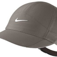 Nike Women's DRI-FIT Featherlight Cap Mint
