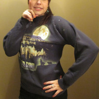 Vintage Black Bryce Canyon Crewneck Sweatshirt w/ Moon, Wolves, and Star Scenery- Front and Back Landscape and Sky Detail