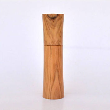 "A Greek Olive Wood Needle Holder, Holds up to 8 cm long Needles (3"" 5/32) Standing / Needle Case"