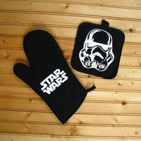 Movie Pot Holder and Oven Mitt Set