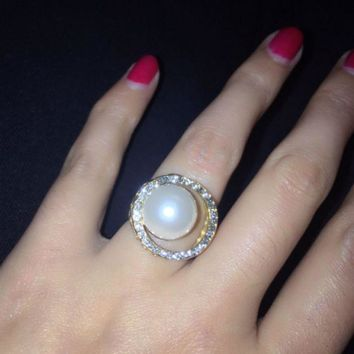 Women's Ring Titanium Steel Stainless Steel And European Vintage Accessories Simple Pearl Ring.