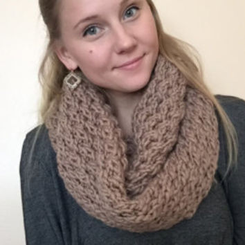 Chunky & Super Soft Infinity Scarf • Wool/Acrylic Blend • Oversized Scarf • Knit Scarf • ROLLING коса •