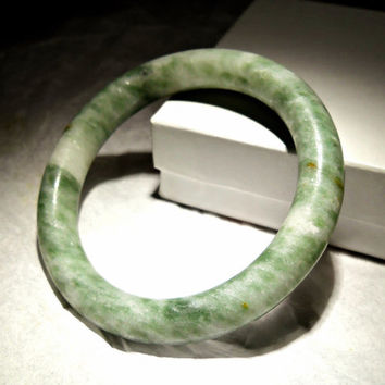 Nephrite Jade Bracelet Bangle Vintage Chinese Round Green