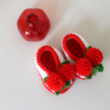 Hand Crocheted Baby Shoes with Pompom Cherries / Hand Crocheted Baby Sandals / Red and White Baby Girls Sandals / 0-3 Monhts Baby Shoes