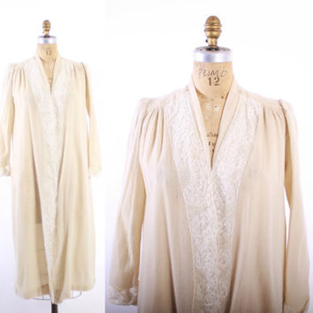 Vintage 70s DRESSING GOWN / 1960s - 70s 100% CASHMERE Ivory & Lace Bath Robe