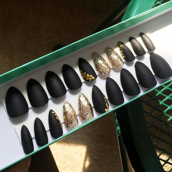 Matte Black w/ Gold Sparkle Stiletto Nails - Set of 20 - fake nails, false nails, custom nails, stiletto nails, dope nails, bedazzled nails