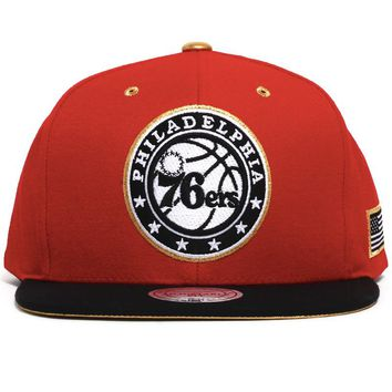 Philadelphia 76ers Gold Tip Snapback Hat Red