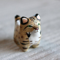 Bobcat pocket totem figurine