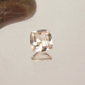 Golden Peach Champagne Sapphire 1.92ct Over 7mm Cushion Shape Loose Gemstone for Gemstone Engagement Ring Weddings Anniversary