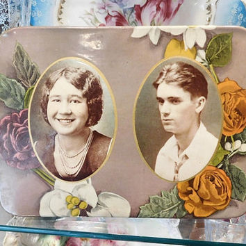 Celluloid Photo Easel Back Tin Photo Photograph 1920s Square Button Medallion Plaque Flower Rose Frame Tinted Images Photo Couple Antique