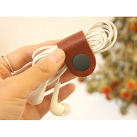 Page25 Natural and Pure leather brown earphone organizer