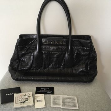 Womens AUTHENTIC CHANEL large Black Leather Tote Bag WITH Authenticity Card