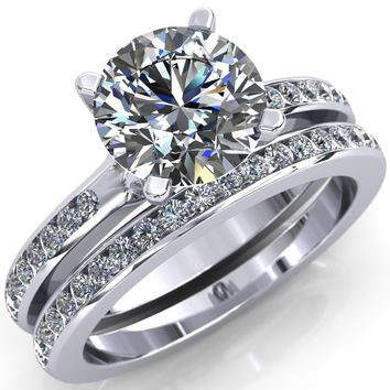 Kehlani Round Moissanite Diamond Shoulder Solitaire Ring with Split Prongs