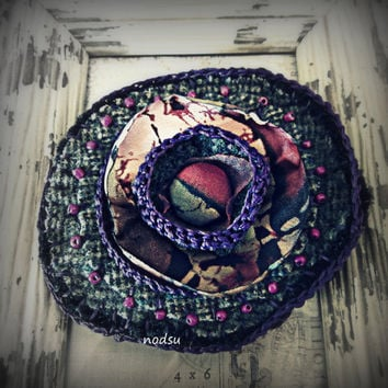Felt brooch , grey and purple flower fabric, crochet edges, beads pin