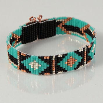 Tribal Arrows Bead Loom Bracelet - Artisanal Jewelry - Native American Style - Southwestern - Bohemian - Hippie Chic - Turquoise - Black