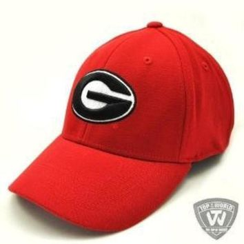 DCCKG8Q Georgia Bulldogs UGA Hat One-Fit Top of the World Hat