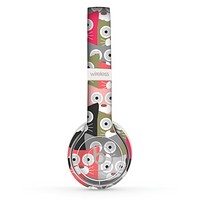The Colorful Hypnotic Cats Skin Set for the Beats by Dre Solo 2 Wireless Headphones