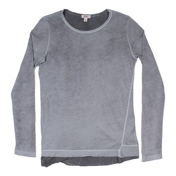 Topanga Loose Long Sleeve Tee in Carbon by True Grit (Dylan)